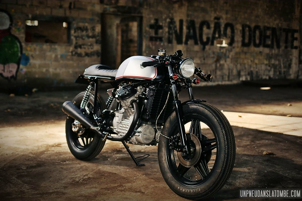 http://www.hondacx.com/images/uploads/jety/compressed_120853003honda-cx-500-by-luis-alves-moto-03.jpg